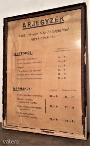 Régi hentes húsbolt árjegyzék plakát 1966 -ból - nagy méretű 65x85 cm, keretezve