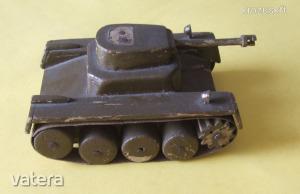Harckocsi makett játék /fa, Tigris ?? / egyedi készítésű    21072209