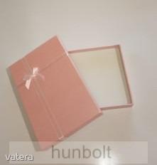 Díszdoboz rózsaszín színben 13x18x3 cm