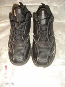 Újszerű    RBK    40-s    kényelmes,    hajlékony   talpú   cipő.