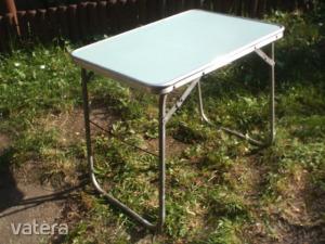 Retro kis camping asztal a 70-es,80-as évekből