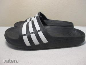 Adidas Duramo gyerek papucs 33-as