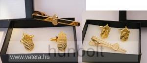 Arany színű címeres mandzsettagomb és nyakkendő csipesz díszdobozban