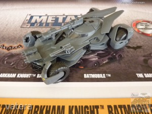 Jada Justice League Batmobile 1:32