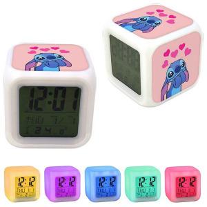 Álmodozó szerelmes színváltós világító óra ébresztő hőmérő