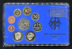 1976 D  Németország  műanyag tokos forgalmi sor  BG35