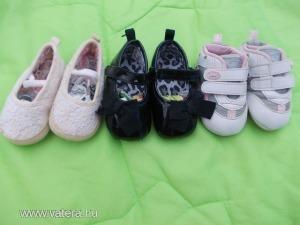 3-6 hó méretezésű,kislánynak való,hibátlan állapotú levegőztető cipő:lakk topánka,csipkés topánka,