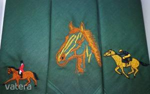 -H01-8 Lovas mintájú hímzett textilzsebkendő 3db, dobozban - Vatera.hu Kép