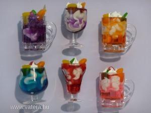 S20332027 Hűtőmágnes(poharak)