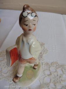 Antik magyar kézzel festett porcelán fiú - A1-5 - 5800 Ft - (meghosszabbítva: 2828268605) - Vatera.hu Kép