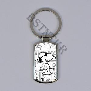 Snoopy mintás elegáns fém kulcstartó