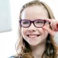 Válassz személyre szabott egyfókuszú szemüveget gyermeked számára!