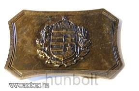 Címeres, szögletes világos övcsat (bronz színű fém, 8x5,5 cm)