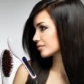 2 az 1-ben hajvasaló és hajkefe