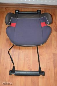 Cybex ülésmagasító lábtartóval