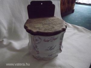 Nagyobb porcelán fali liszt tartó 16,5 x 14,5 cm, hátsó magassága 21,8 cm hibátlan